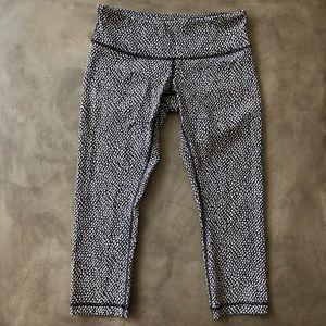 LULULEMON Crop Athletic Leggings
